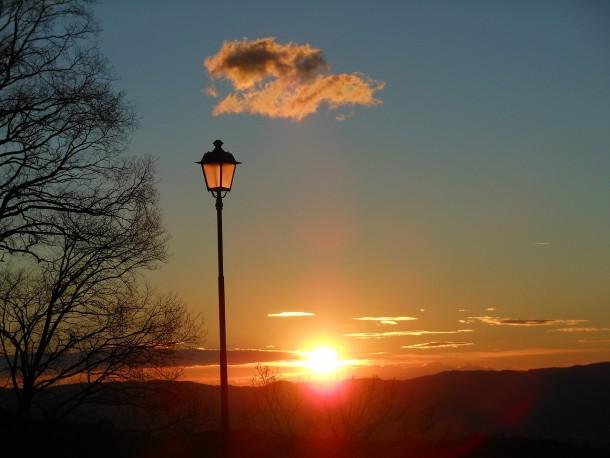 lamppost-422027_1280
