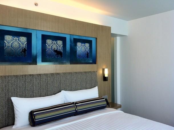 bedroom-469570_1280
