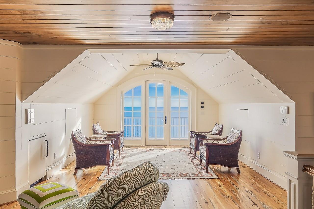 9 claves para iluminar correctamente una sala de estar con varios ambientes mi mundo philips for Comedor 9 de julio freyre