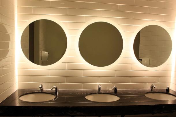 limpieza cuarto de baño espejos