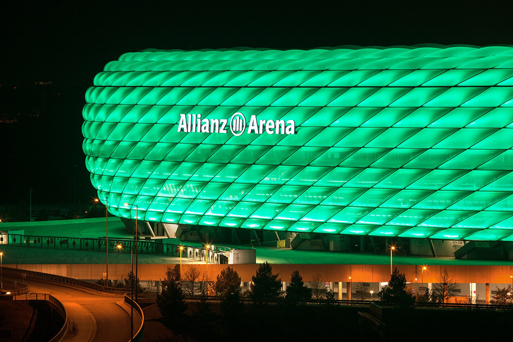 Allianz_Arena_iluminado_por_Philips_3