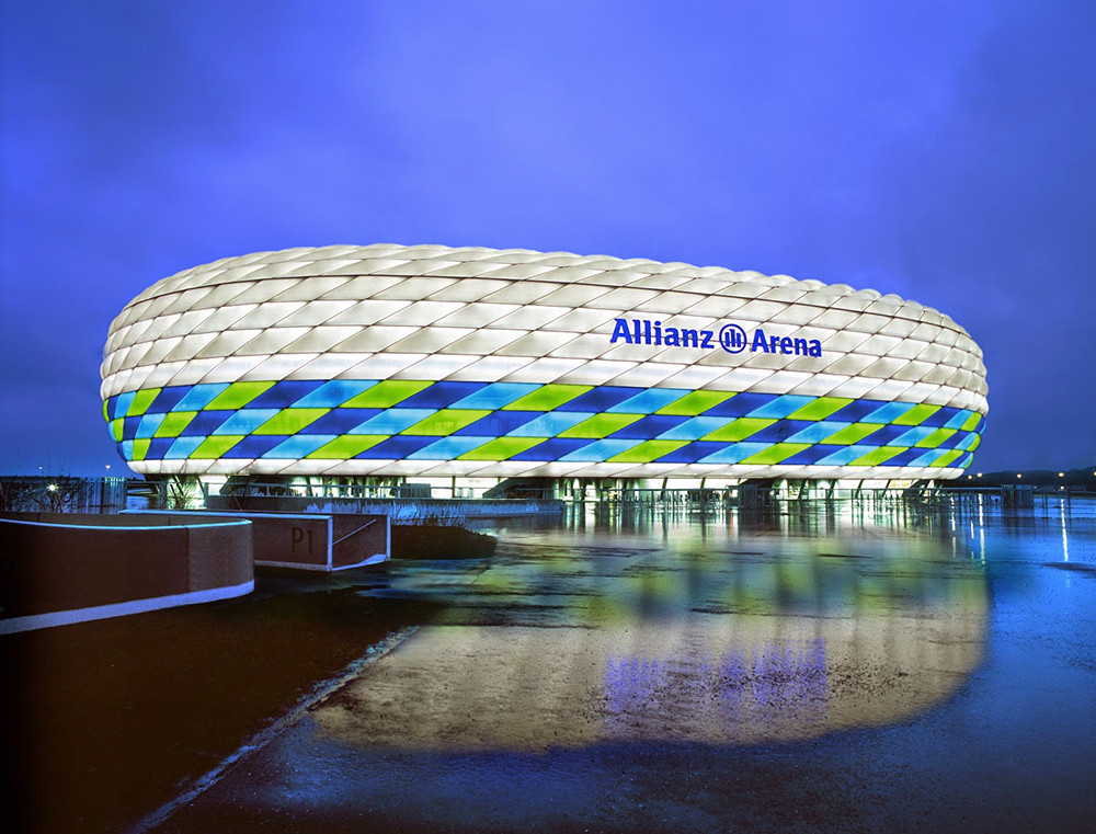 Allianz_Arena_iluminado_por_Philips_5