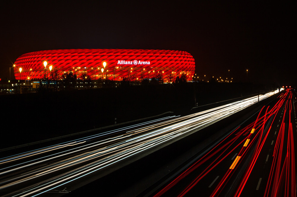 Allianz_Arena_iluminado_por_Philips_6