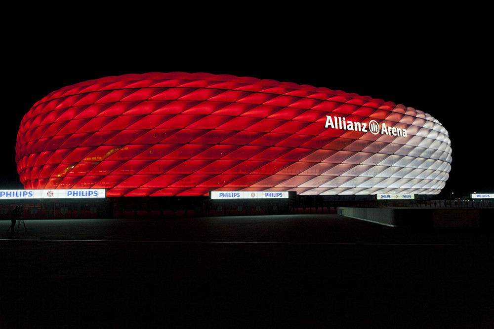 Allianz_Arena_iluminado_por_Philips_7