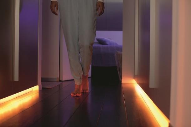 Hue-Lightstrip-Plus_hallway-1-1280x853