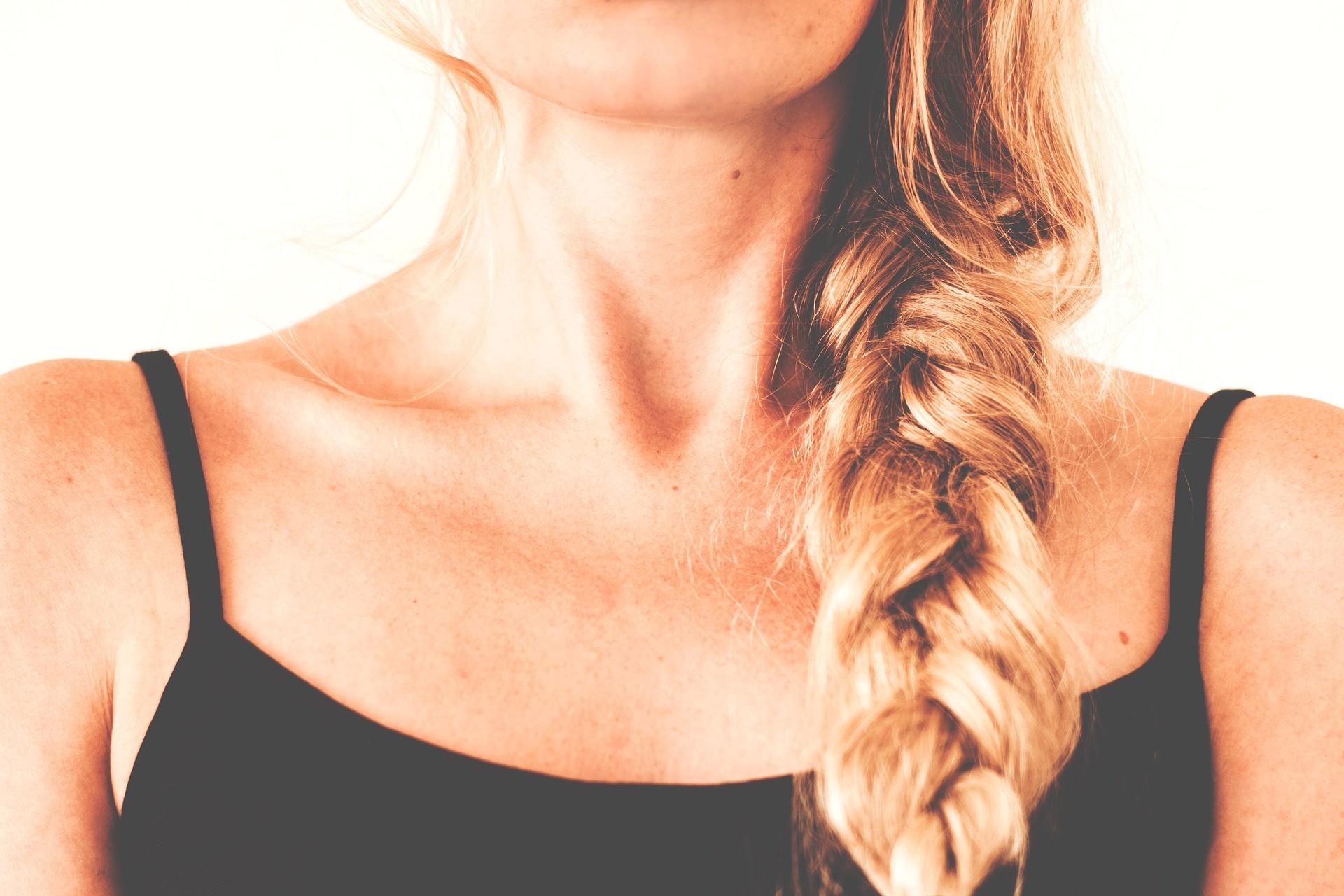 Usas gorro en invierno  Estos consejos sobre peinados te vendrán genial 0d5fd97b842