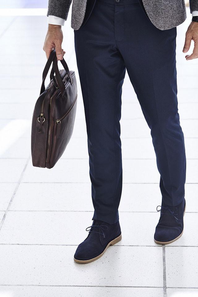 ff0516241398c Así debe ser el bajo del pantalón de vestir para que no te arruine el look