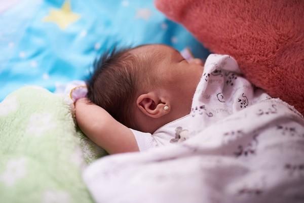 pendientes bebe