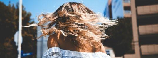 plancha de pelo en verano