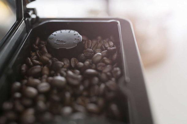 molinillo cerámico de café