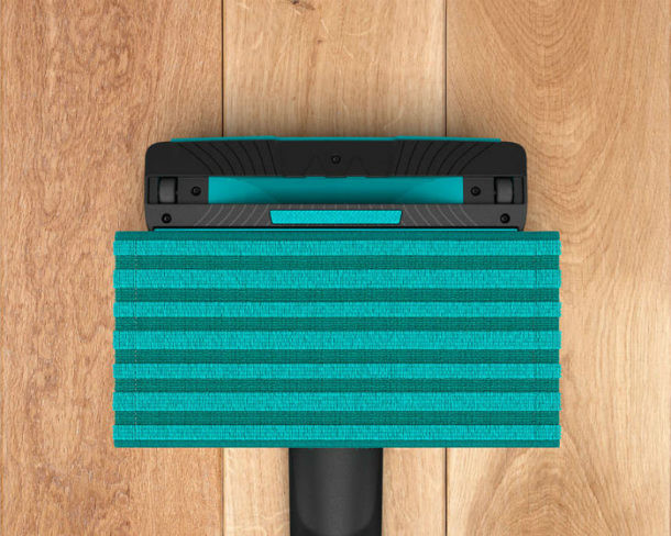 Limpieza en suelo de madera