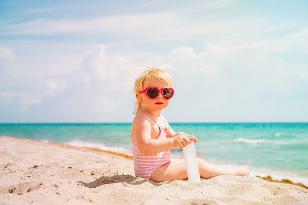 bebes en la playa