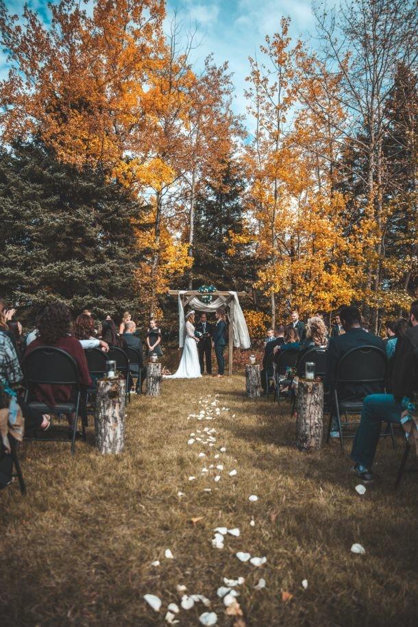 invitada de boda de otoño