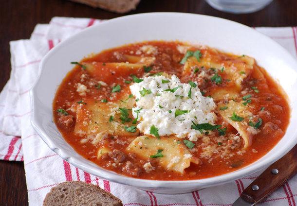 Sopa de lasaña con pasta