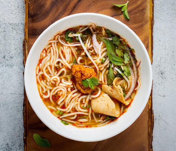 Sopa con fideos noodles