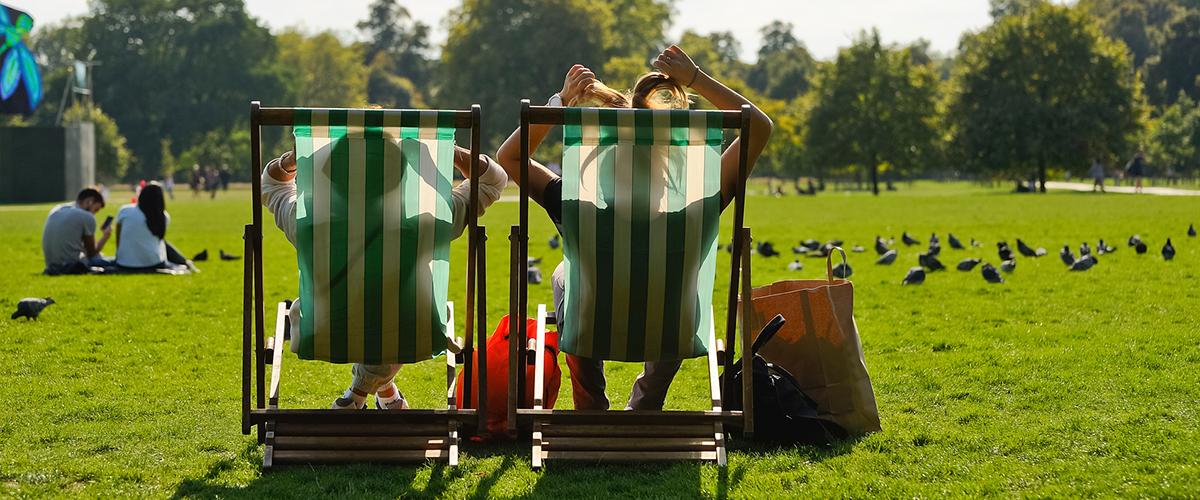 Descansar sobre el verde en Hyde Park