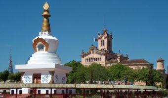 Siéntete como en el Tíbet a 40 km de Barcelona: visita al centro budista en pleno parque natural del Garraf