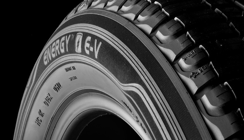 michelin_product_energyev_photo_photo3_800x460_un