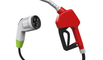 ¿Por qué es más eficiente un vehículo eléctrico que uno de combustible?