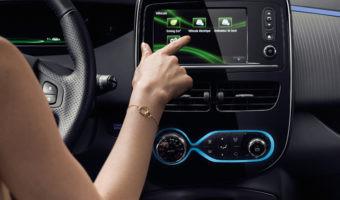 Calcular la ruta, consultar autonomía, buscar puntos de recarga: hábitos esenciales al arrancar un coche eléctrico