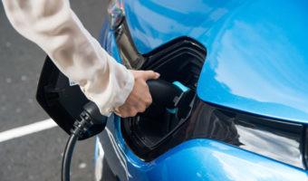 ¿Cómo afecta la subida de la luz en la recarga del coche eléctrico?