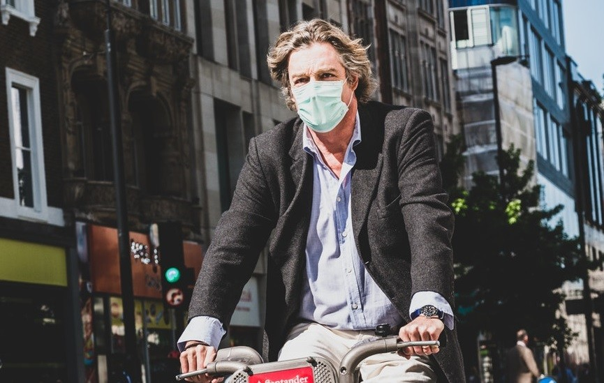 ciclista-contaminacion-madrid