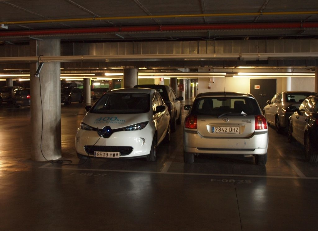 C mo poner un punto de recarga para el coche el ctrico en - Garaje de coches ...