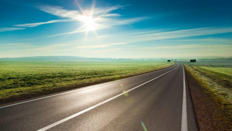 carretera horizonte temperatura vehículo eléctrico