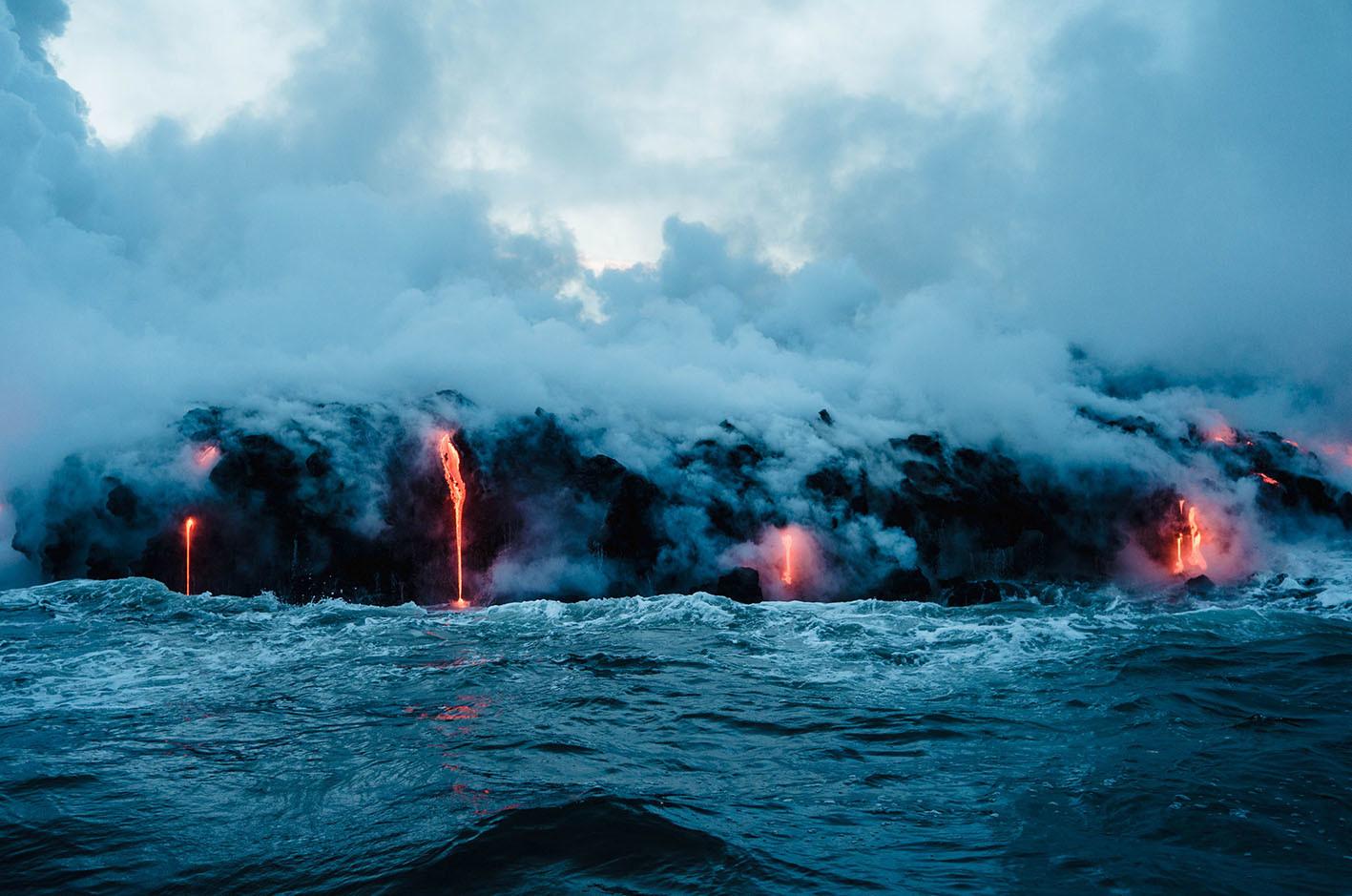 CO2 emisión de carbono volcán