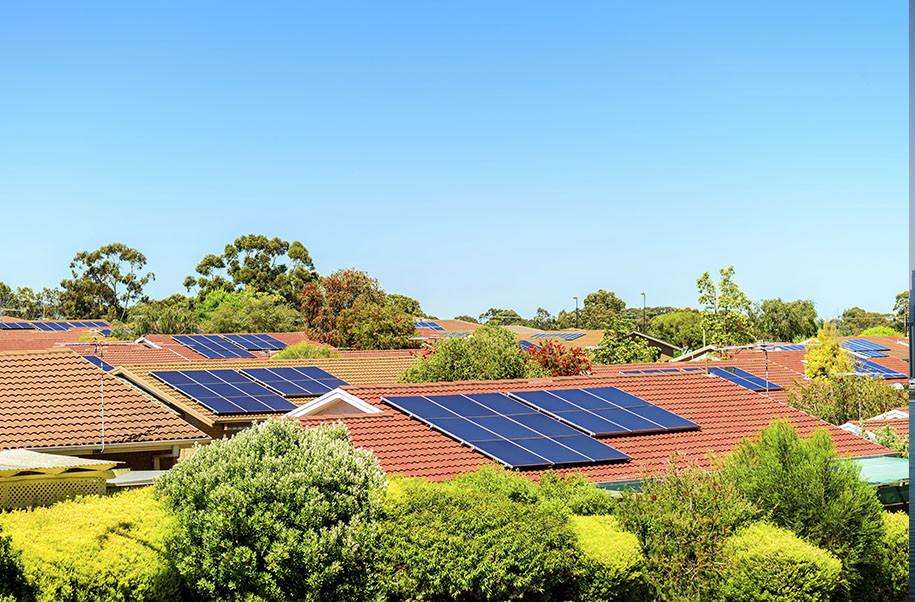 Vecindario con placas solares