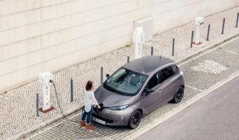 Comparativa entre un coche eléctrico y uno de gas