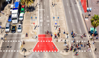 Barcelona limitará el tráfico en los días de alta contaminación: todo lo que tienes que saber