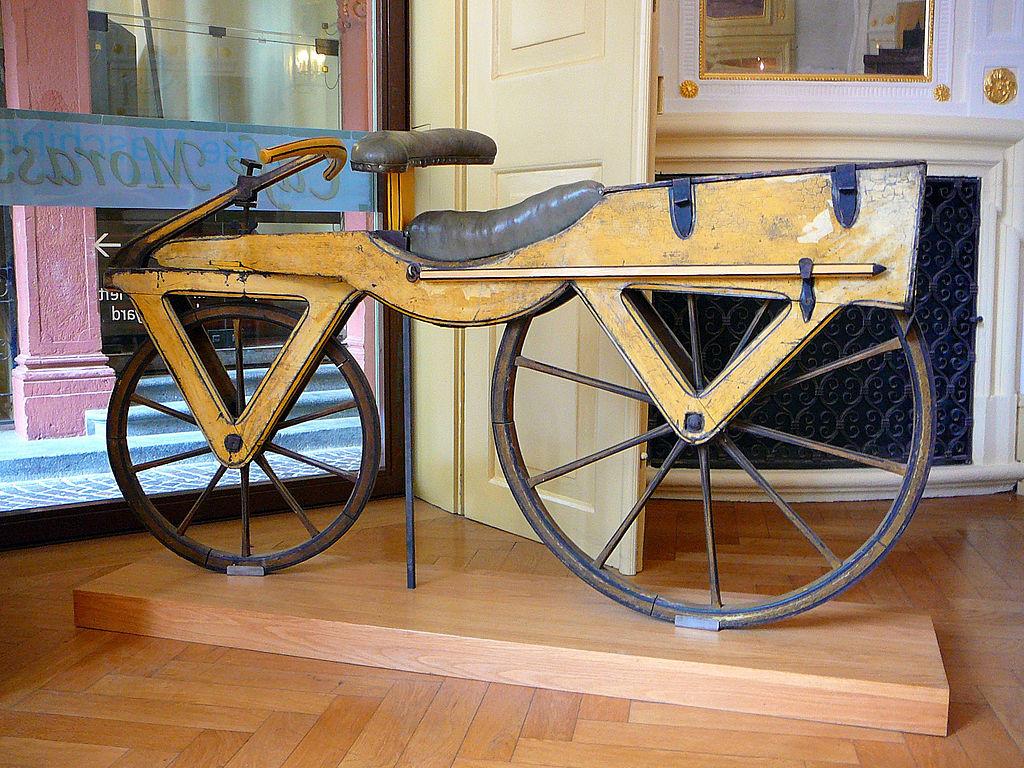 laufmaschine draisiana velocipedo invento