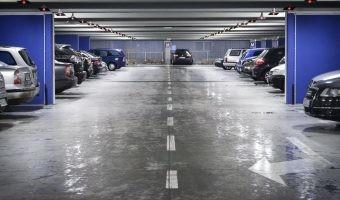 Europa quiere que tu garaje comunitario tenga punto de recarga