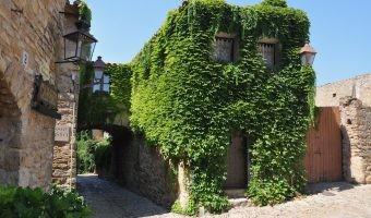 España Medieval: cinco rincones sorprendentes para descubrir en otoño con tu coche eléctrico