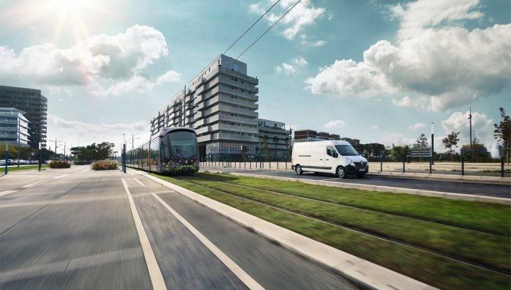 Renault Master Z.E. y tranvía