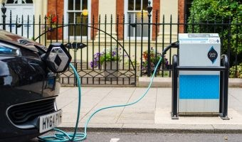Así es cómo la conducción autónoma hará más sostenible al coche eléctrico