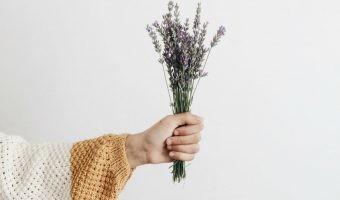 Manual para reducir la huella ecológica de tu ropa y tener un armario sostenible