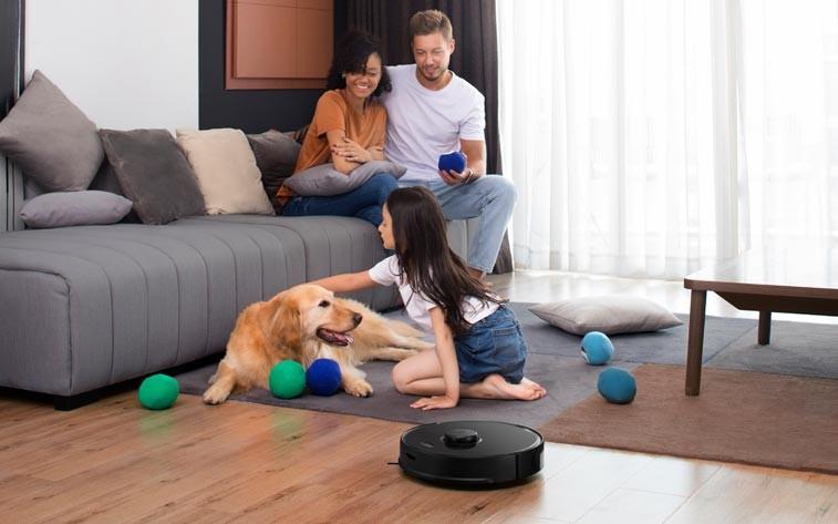 Programar tu robot aspirador para que funcione mientras no estás en casa es así de sencillo