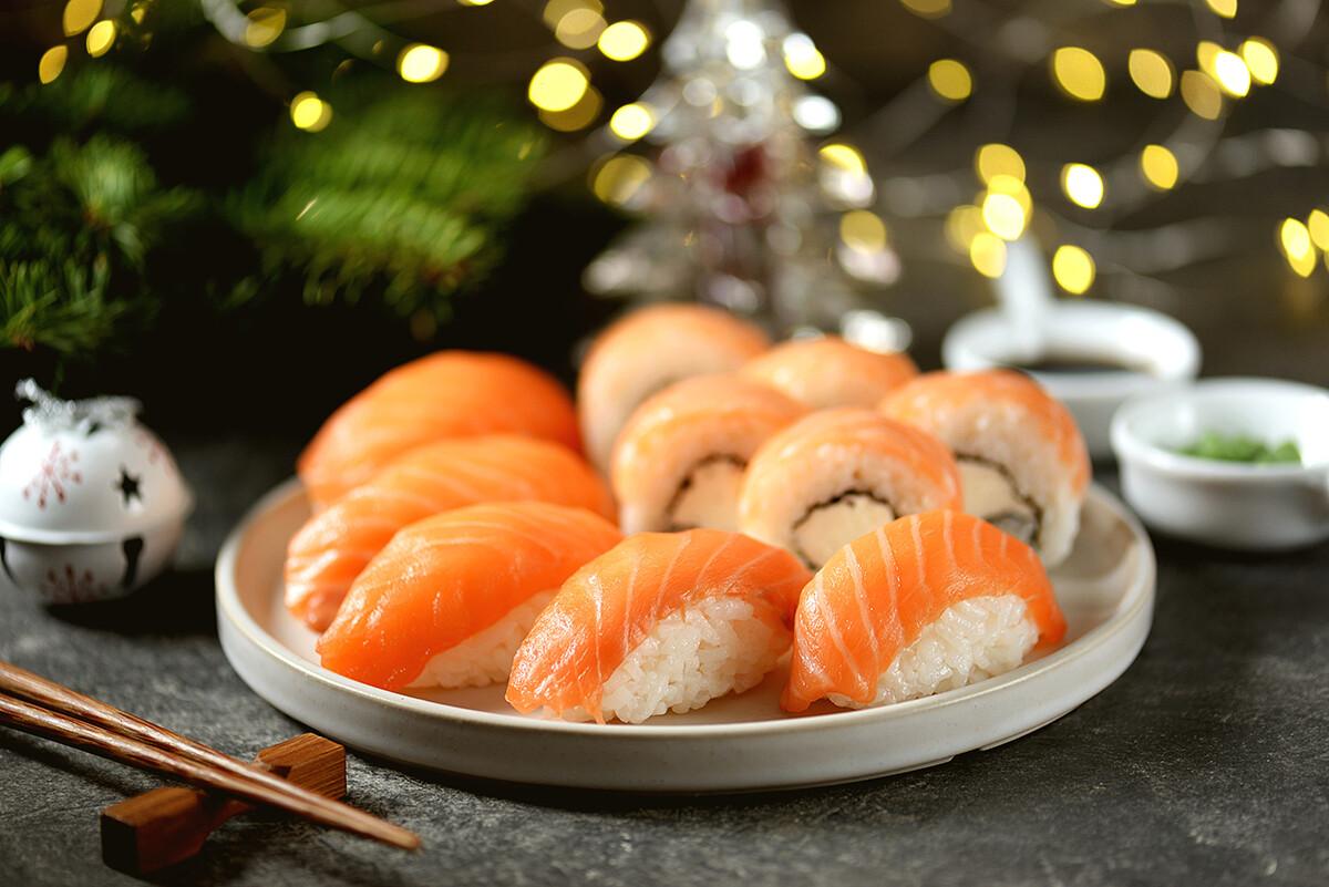 Sushi de salmón noruego