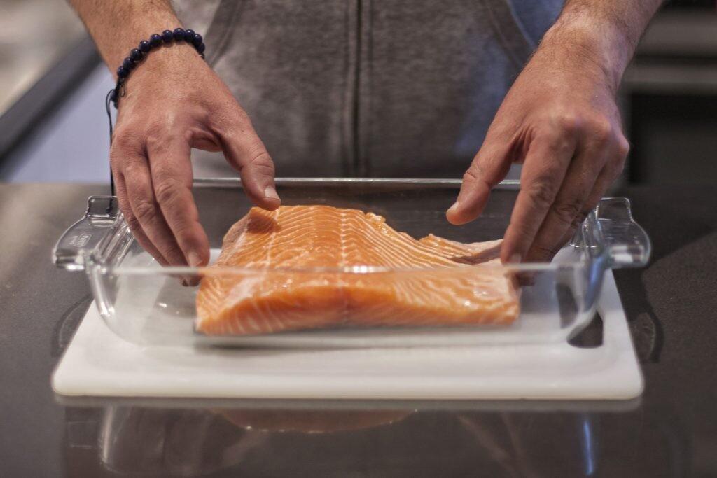 salmon costra almendras al horno
