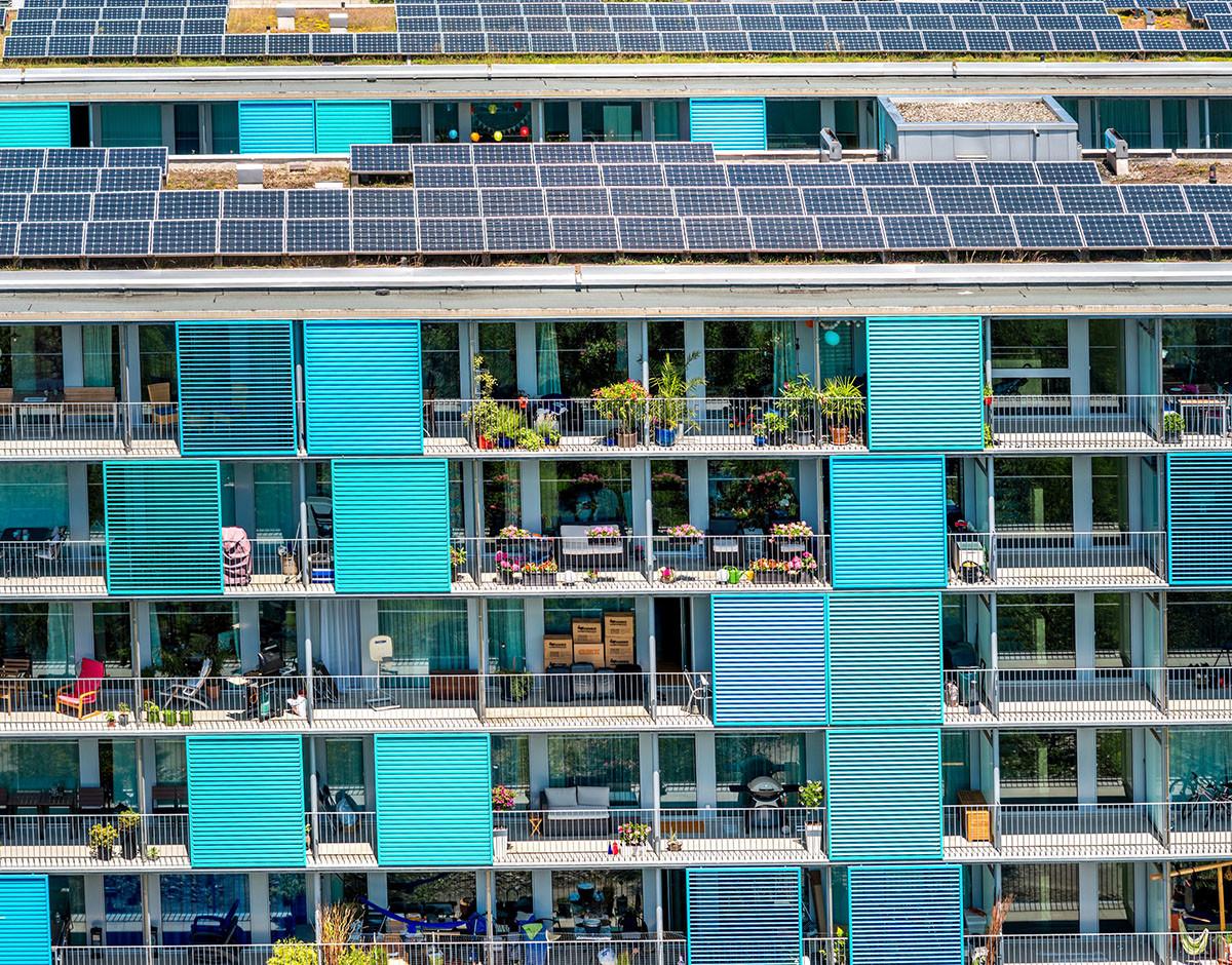 que puedo hacer en mi fachada como vecino sin pedir permiso placas solares