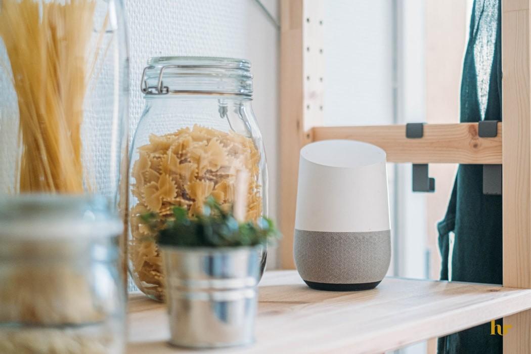 altavoz inteligente google home en el hogar smartizacion