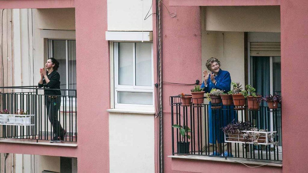 Durante el confinamiento provocado por la pandemia de covid-19, los balcones volvieron a tener vida.