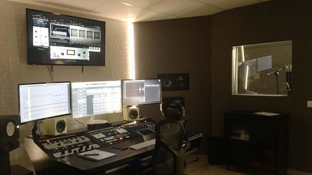 Ideas para darle una segunda vida al garaje: convertirlo en un estudio de grabación.