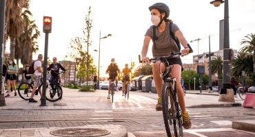 Imagen de Cómo planificar una ciudad para crear espacios donde las mujeres se sientan más seguras