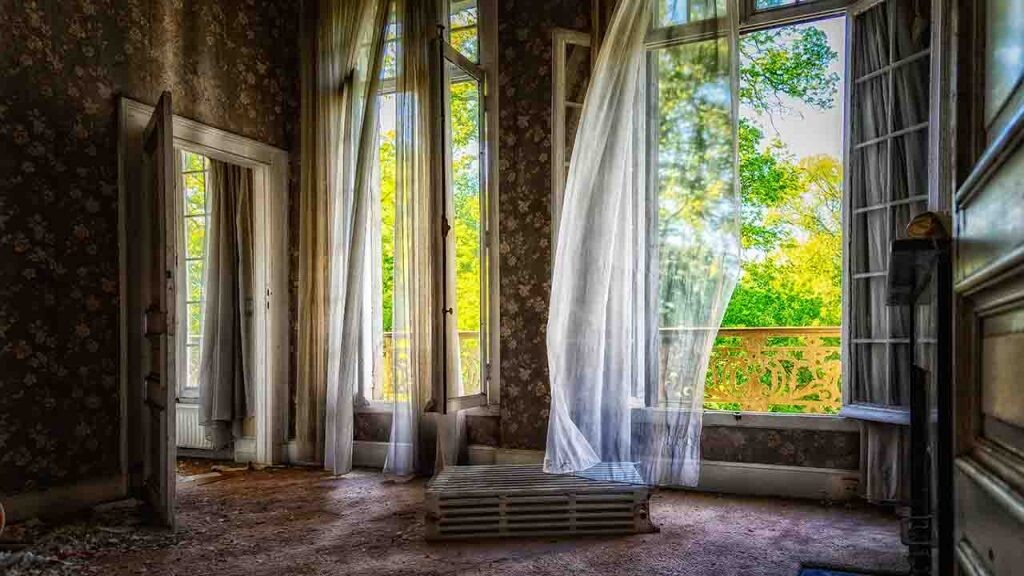 Libros que giran alrededor de una casa: El fantasma de Canterville.