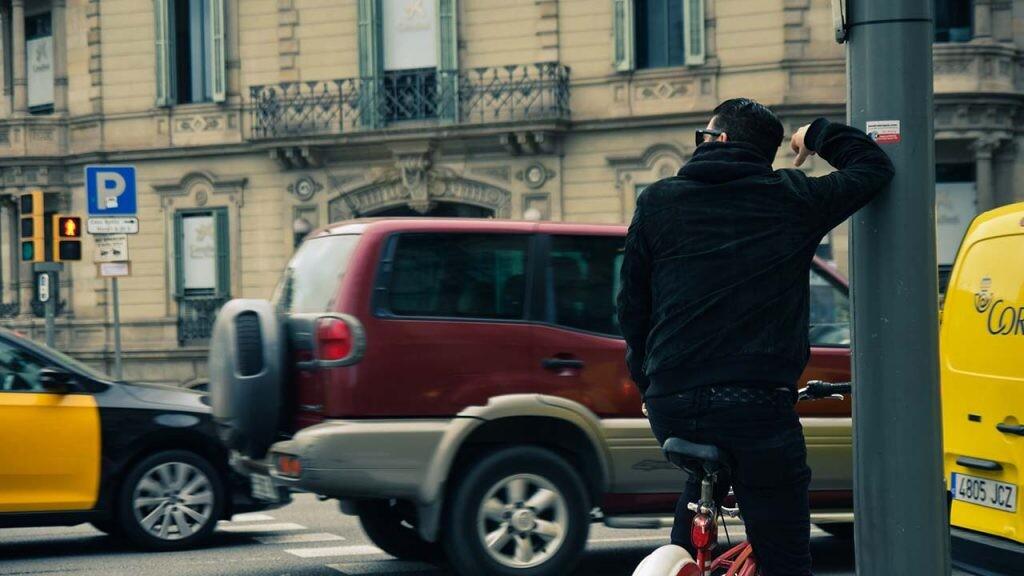 Cuando el ruido viene del tráfico, existen soluciones como mejorar el aislamiento.