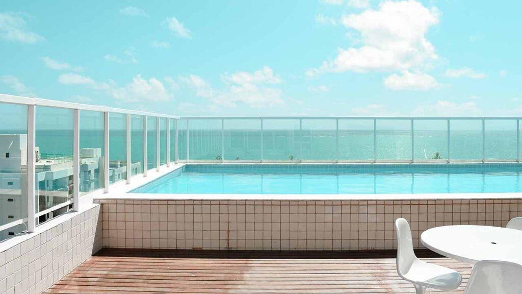 Cada vez más viviendas cuentan con piscinas incluso en espacios muy reducidos.
