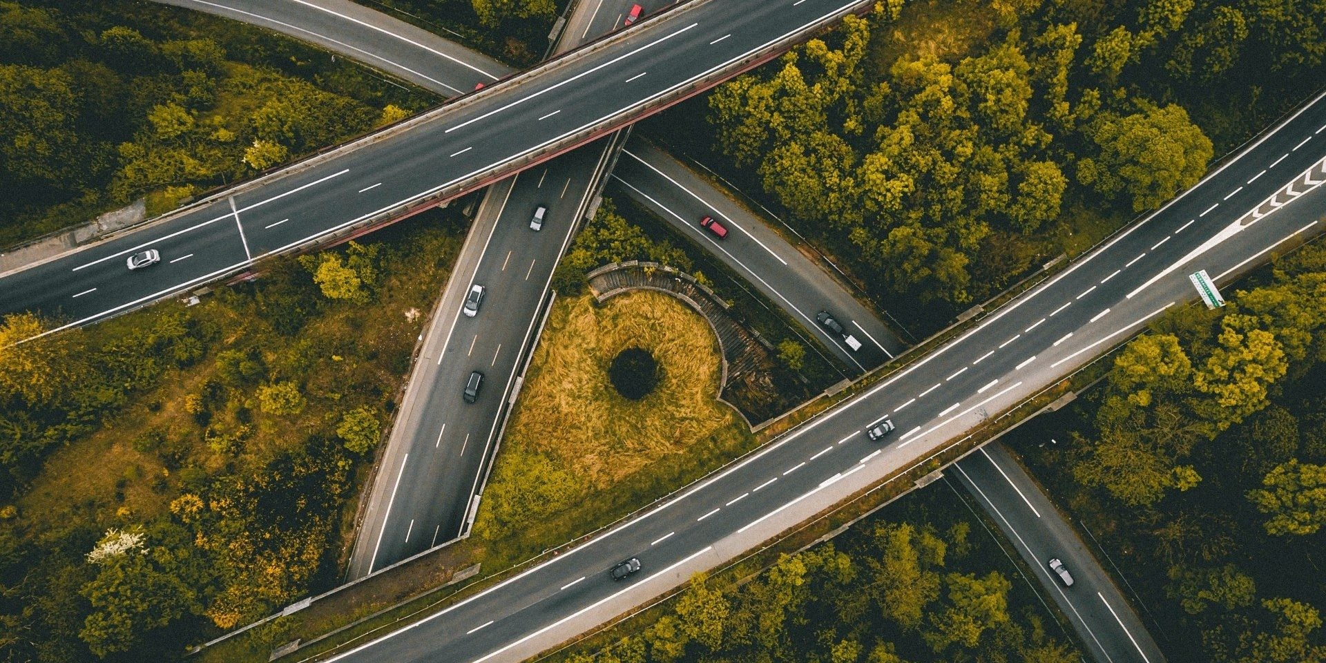 Recovering energy from traffic: positive energy roads - Smart City Lab
